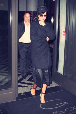 Rihanna leave her Hotel in New York