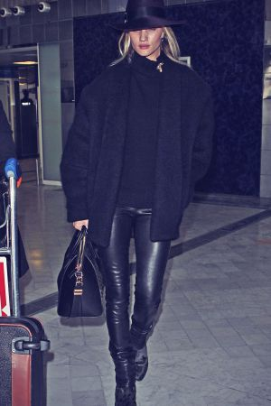 Rosie Huntington-Whiteley arrives in Paris