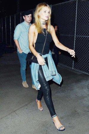 Rosie Huntington-Whiteley arriving at Drake's Concert