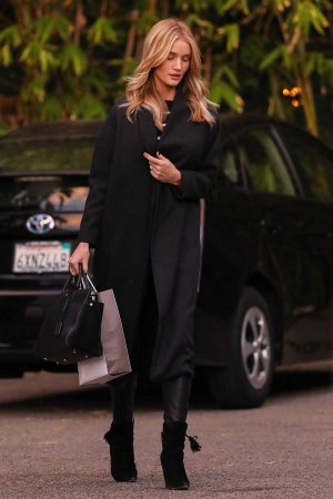 Rosie Huntington Whiteley leaving the Kinara Spa