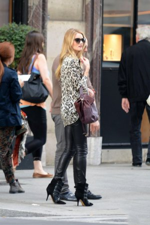 Rosie Huntington Whiteley out hanging in Paris