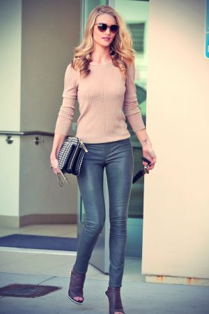 Rosie Huntington-Whiteley shops at Chanel