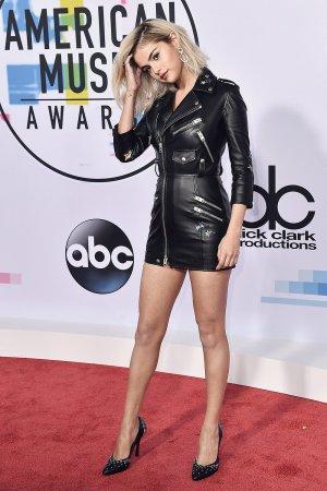 Selena Gomez attends 2017 American Music Awards