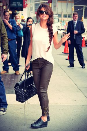 Selena Gomez Late Show with David Letterman candids