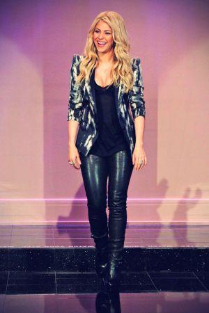 Shakira at The Tonight Show with Jay Leno