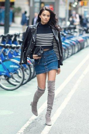 Shanina Shaik attends the 2016 Victoria's Secret Fashion Show