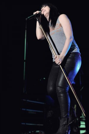 Shawna Thompson performs at Band Against Cancer
