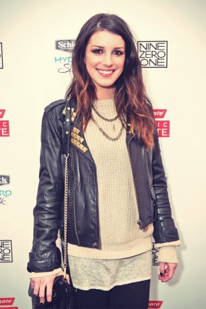 Shenae Grimes at The Colgate Optic White Beauty Bar
