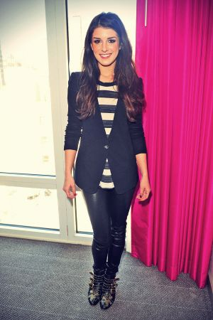 Shenae Grimes posing at a hotel in NYC