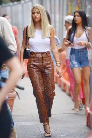 Sofia Richie returning to her hotel