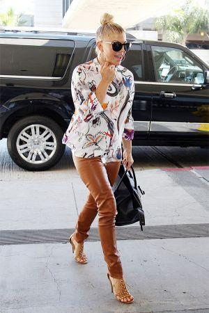 Stacey Ferguson att LAX Airport