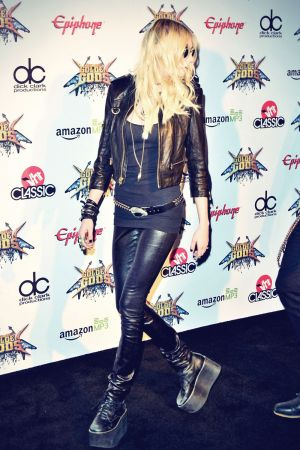 Taylor Momsen attends 2014 Revolver Golden Gods Awards