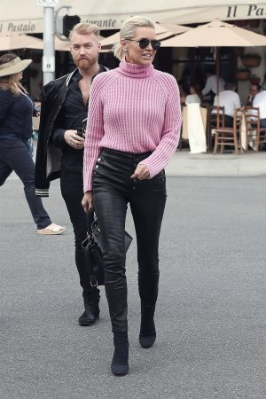 Yolanda Hadid seen at Il Pistaio