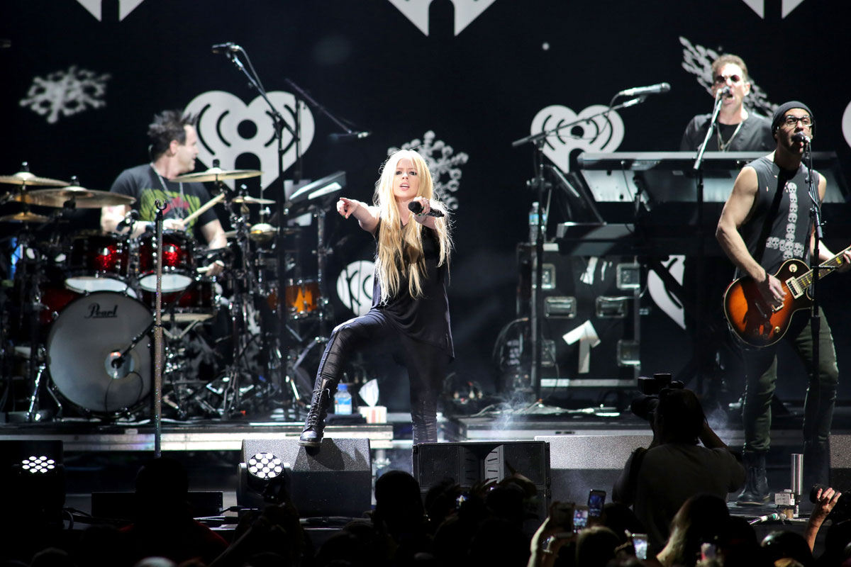 Avril Lavigne performs at Y100 Jingle Ball