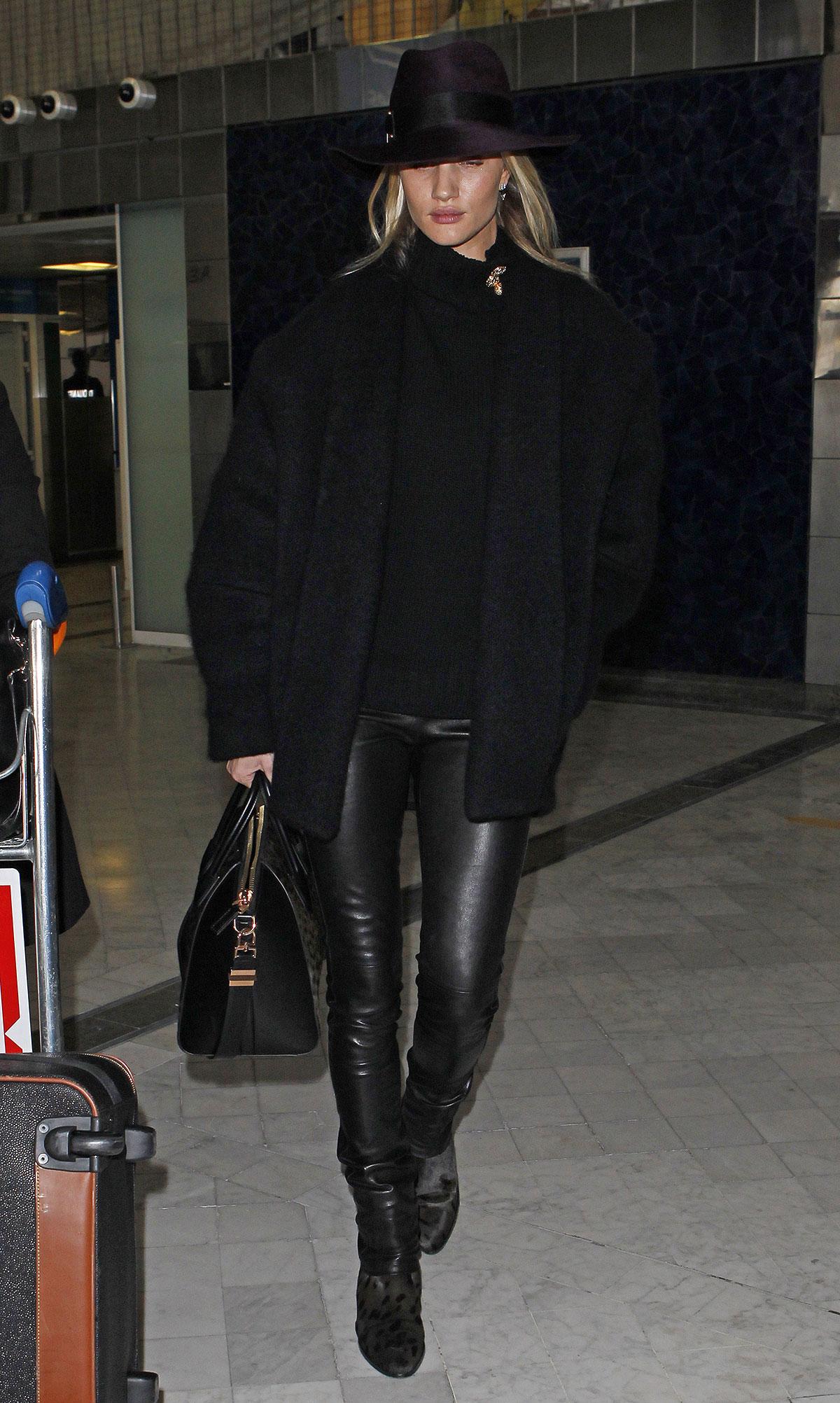Rosie Huntington-Whiteley arrives in Paris