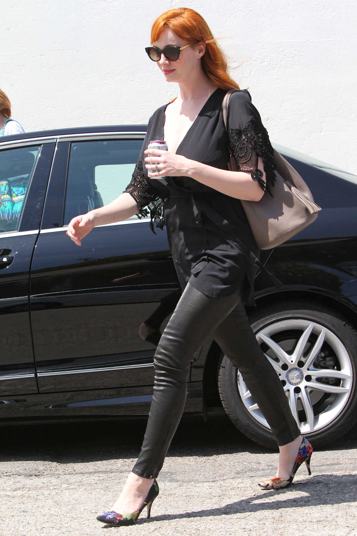 CHRISTINA HENDRICKS Out Shopping in Los Angeles - HawtCelebs
