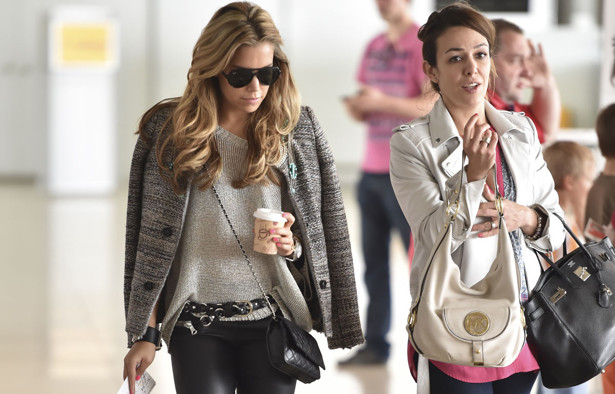 Sylvie Meis leaves the Hyatt hotel and arrives at airport