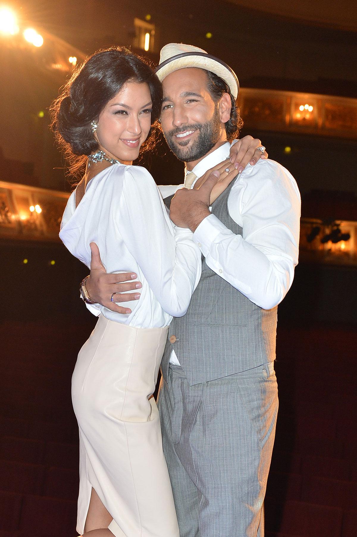 Rebecca Mir attends Dirty Dancing Das Orginal premiere live