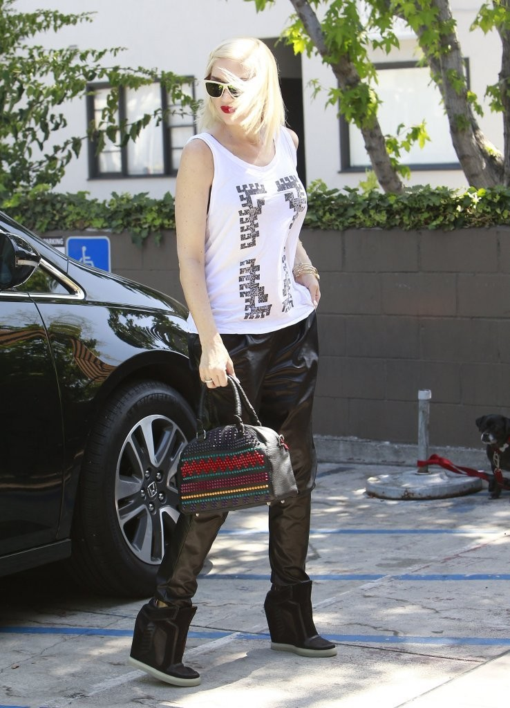 Gwen Stefani stops by the salon in West Hollywood