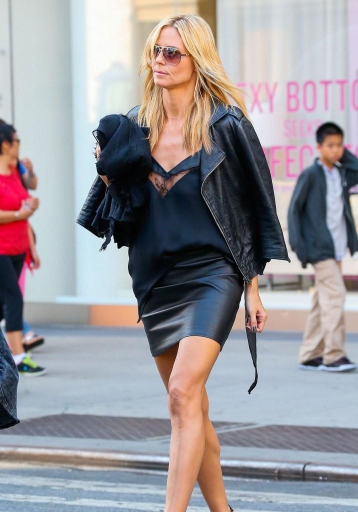 Heidi Klum walking through Soho