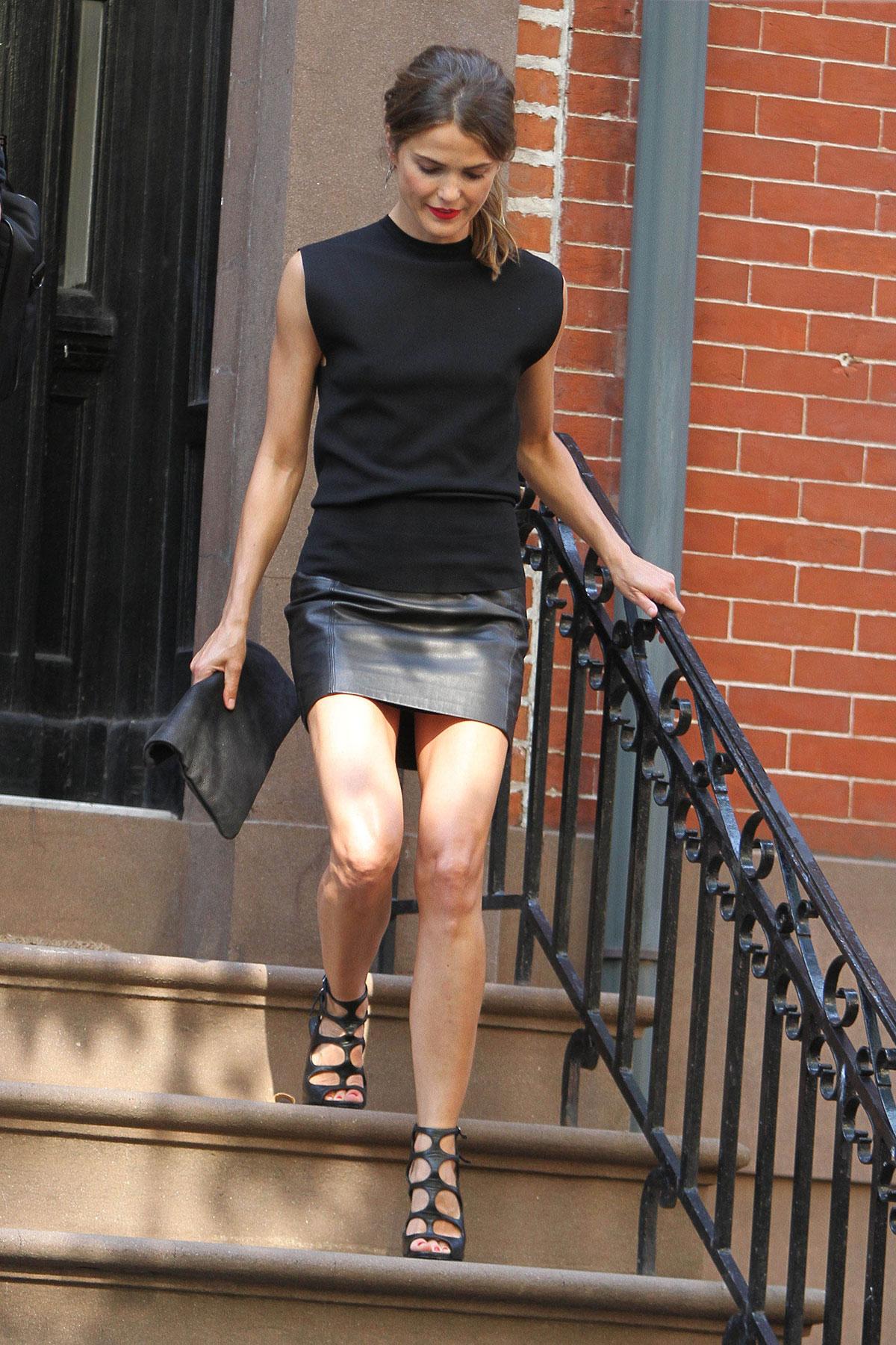 Keri Russell leaving her home in Brooklyn