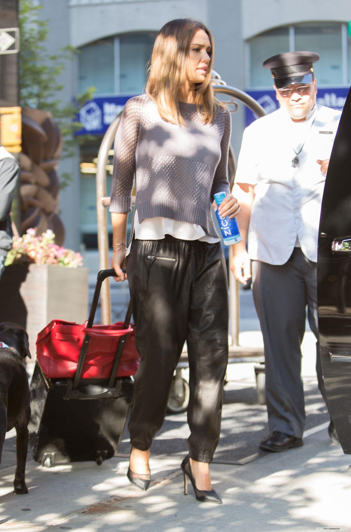 Jessica Alba arriving at SiriusXM Studio in NYC