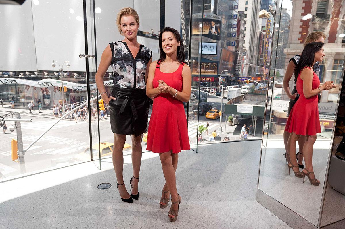 Rebecca Romijn visits Extra at their New York studios