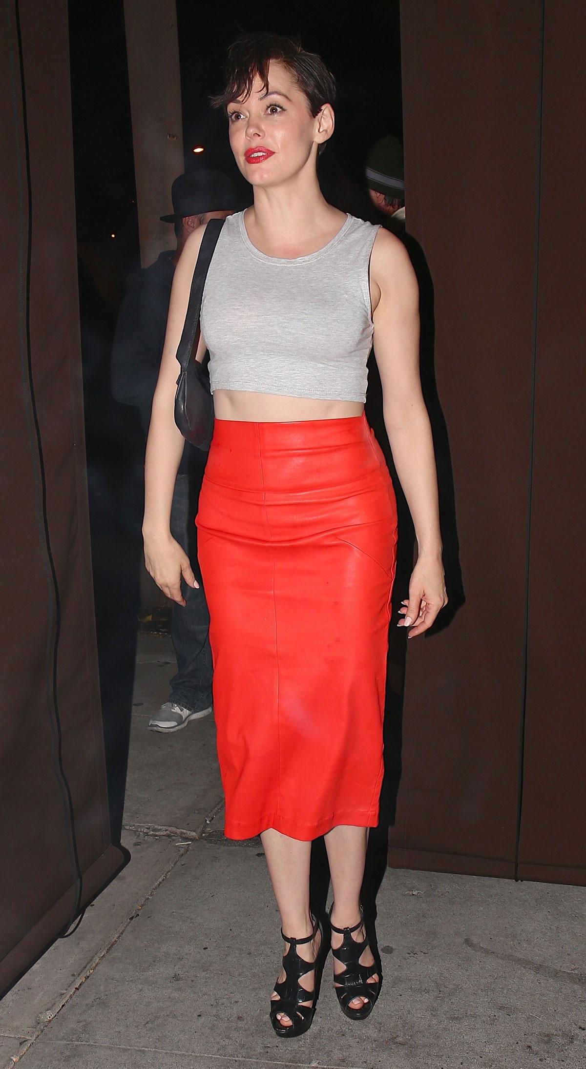 Rose Mcgowan leaves Craigs restaurant after having a dinner