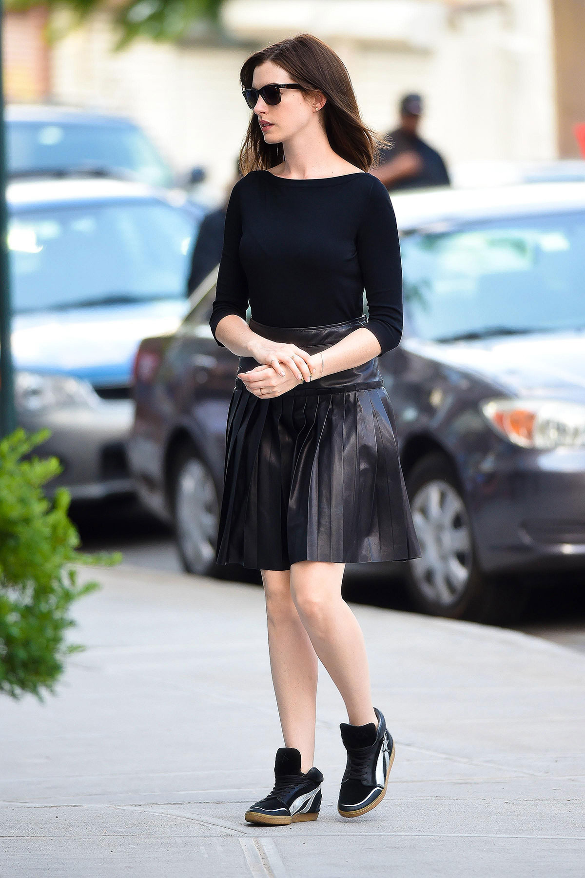 Anne Hathaway The Intern set candids in NYC
