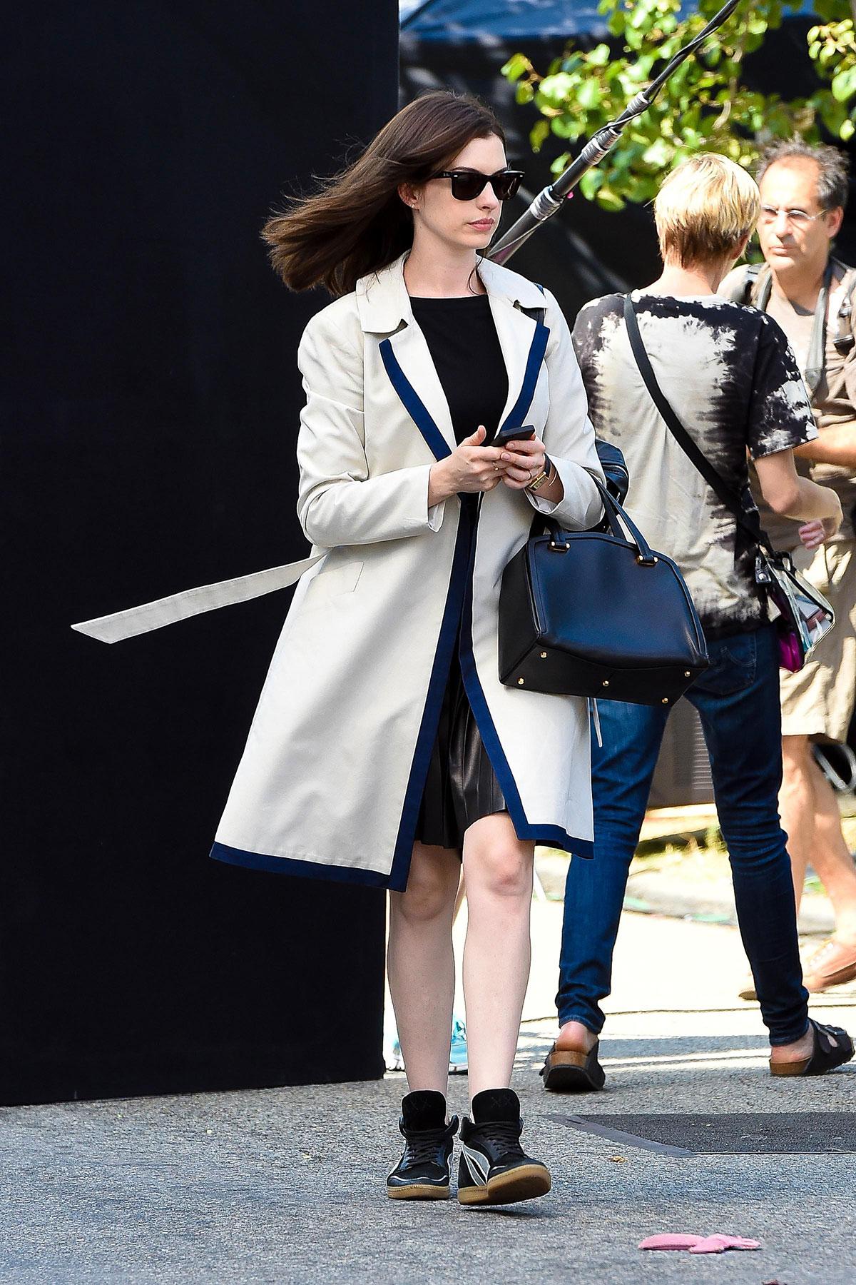 Anne Hathaway The Intern set candids in NYC