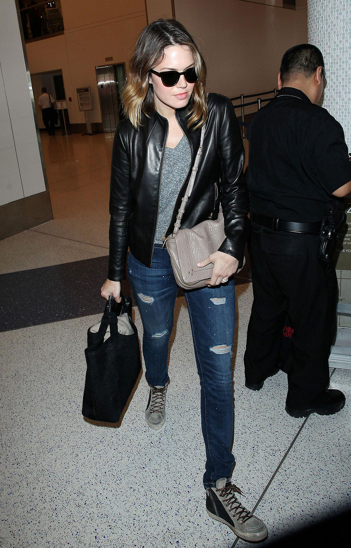 Mandy Moore arrives at the Los Angeles International Airport