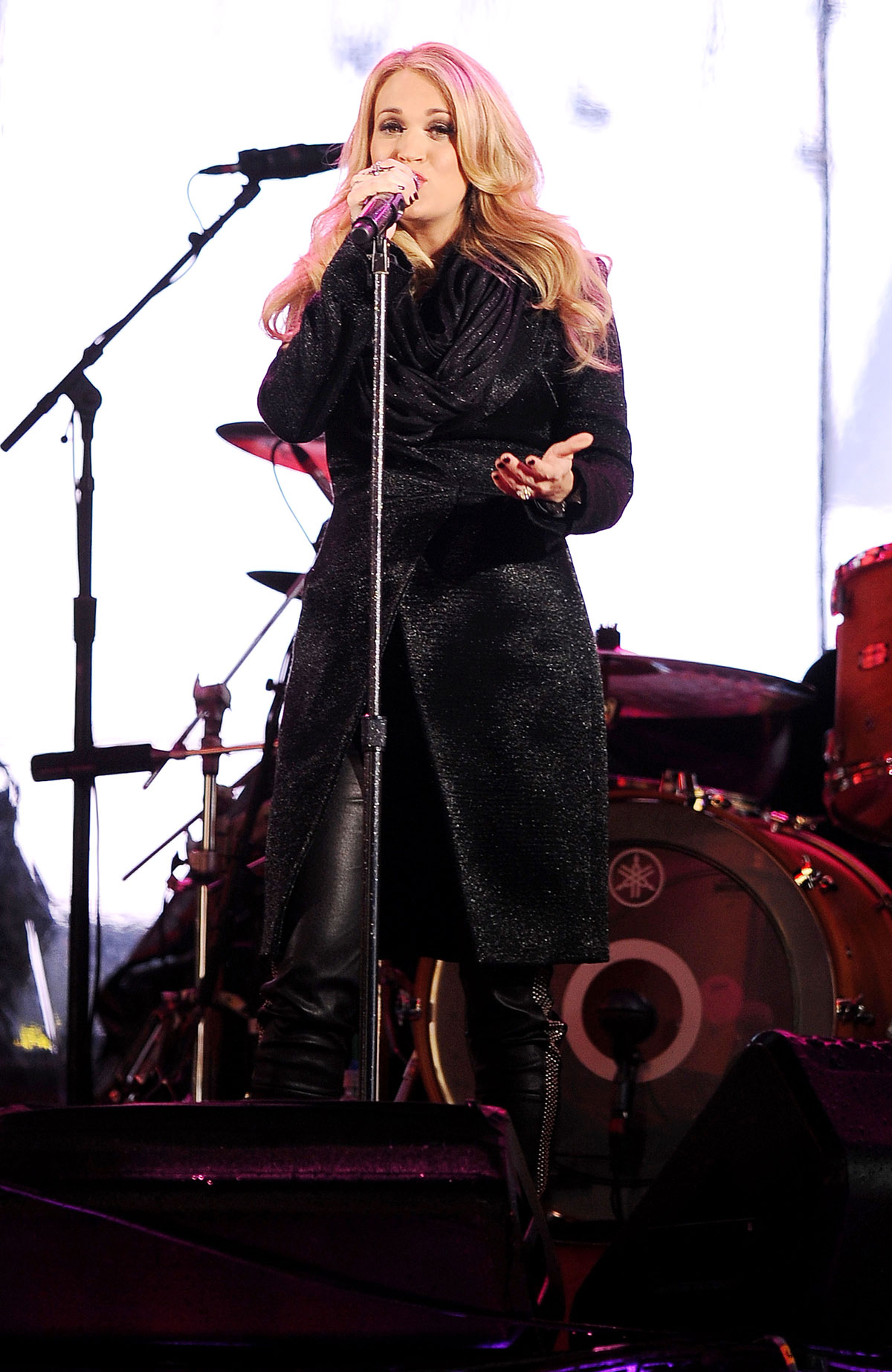 Carrie Underwood attends World AIDS Day Concert