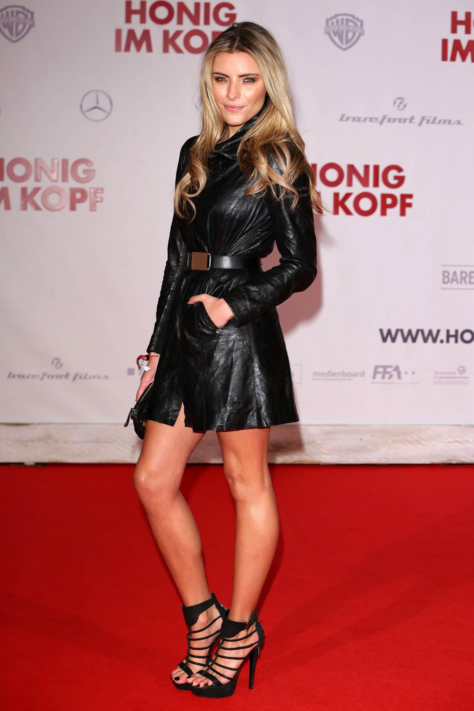 Sophia Thomalla attends Honig im Kopf premiere