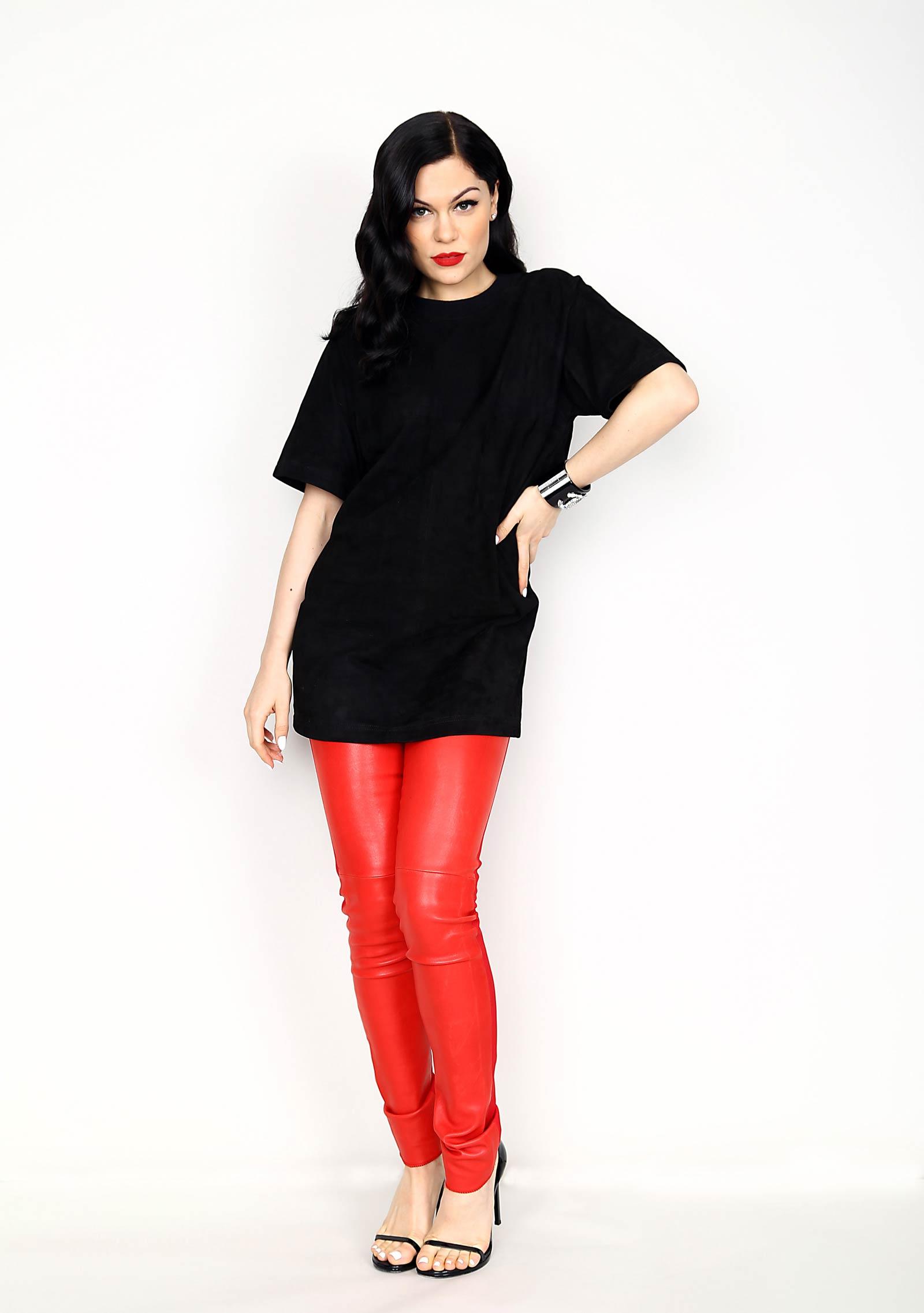 Jessie J portrait for 93.3 FLZ's Jingle Ball