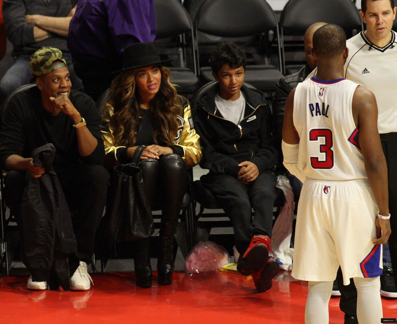 Beyonce attends Los Angeles Clippers vs Cleveland Cavaliers game