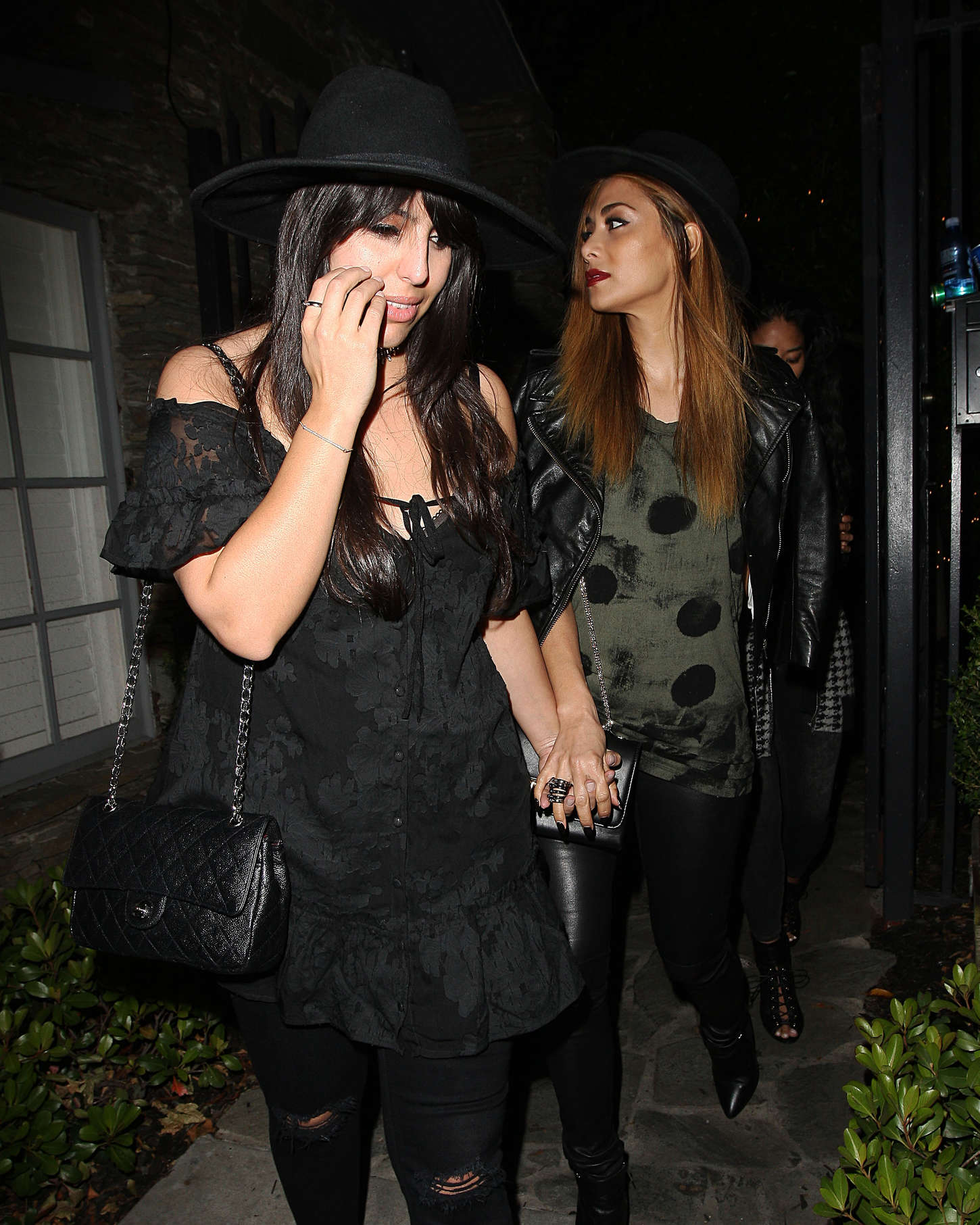 Nicole Scherzinger Leaves a Party with her friends