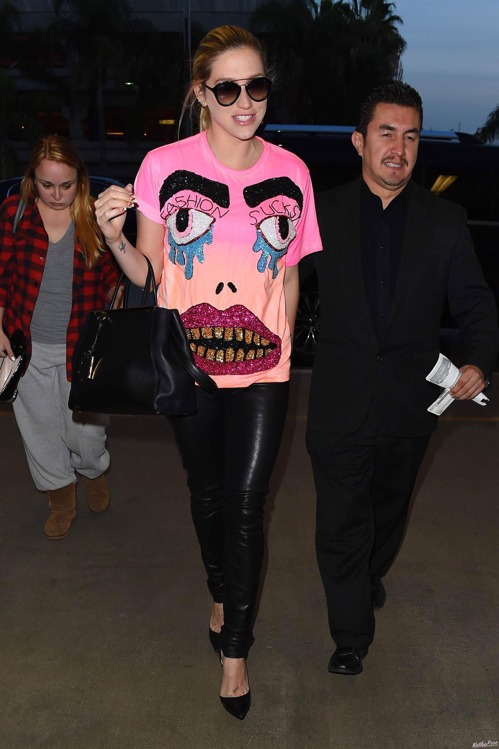 Kesha at LAX