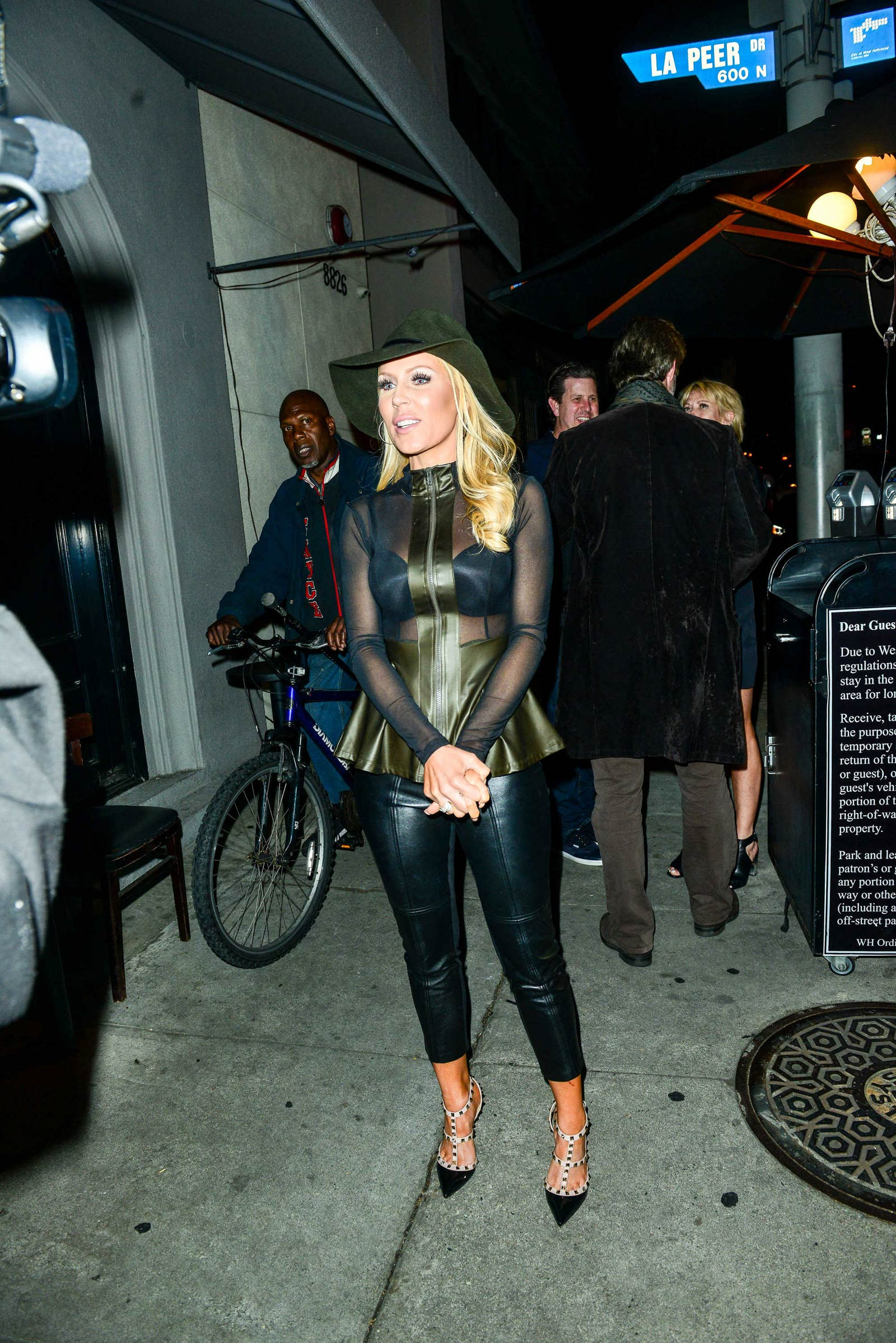 Gretchen Rossi out for dinner at Craig's