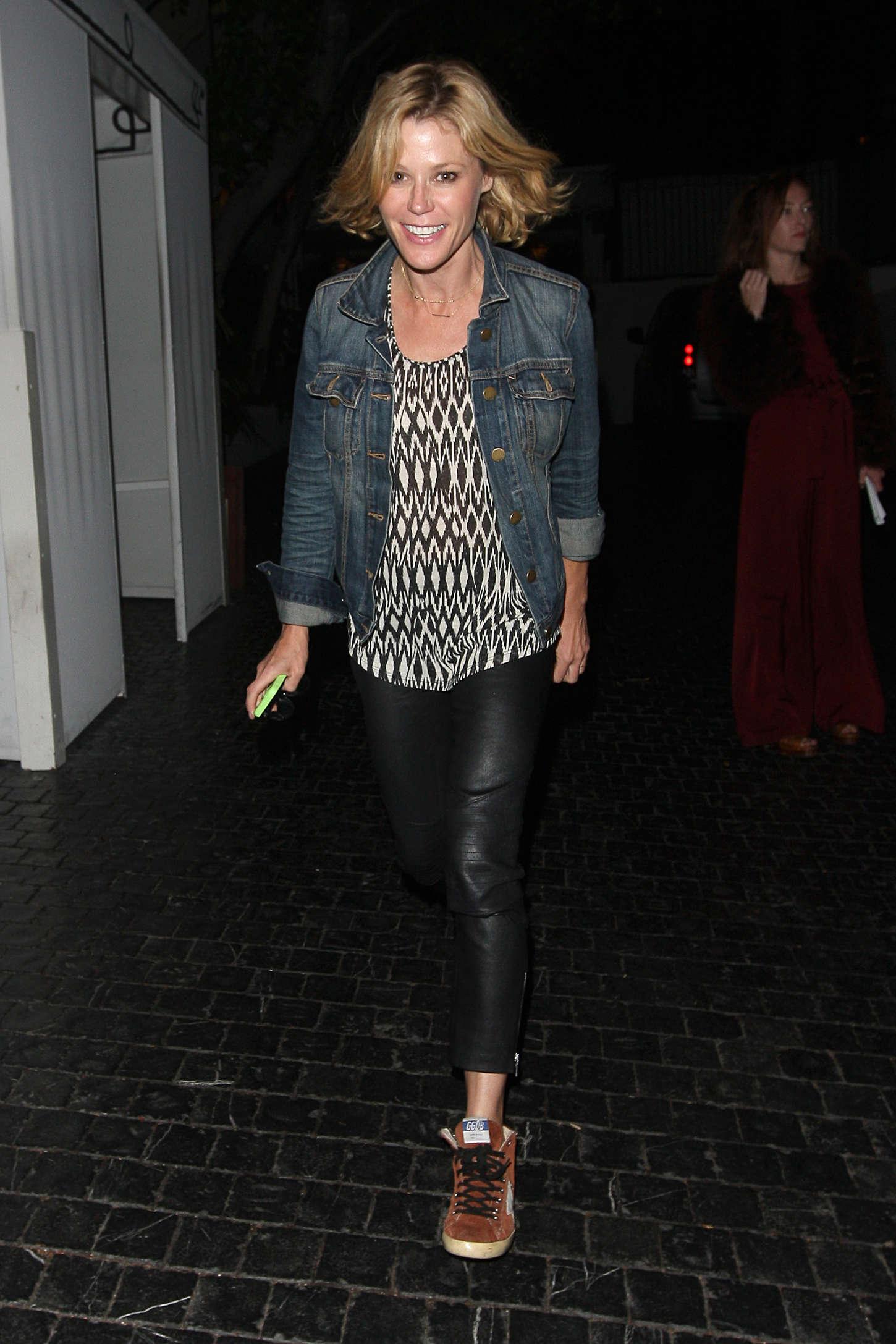 Julie Bowen Leaves Craig's Restaurant