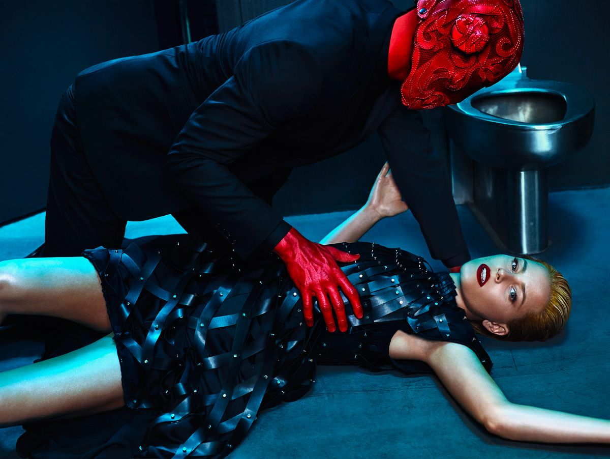 Elizabeth Banks in Flaunt Magazine