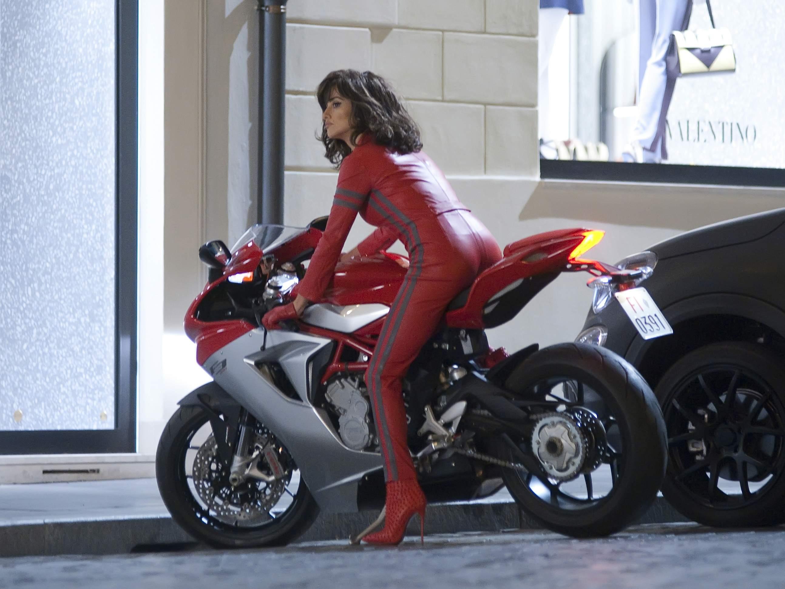 Penelope Cruz Filming scenes for Zoolander 2