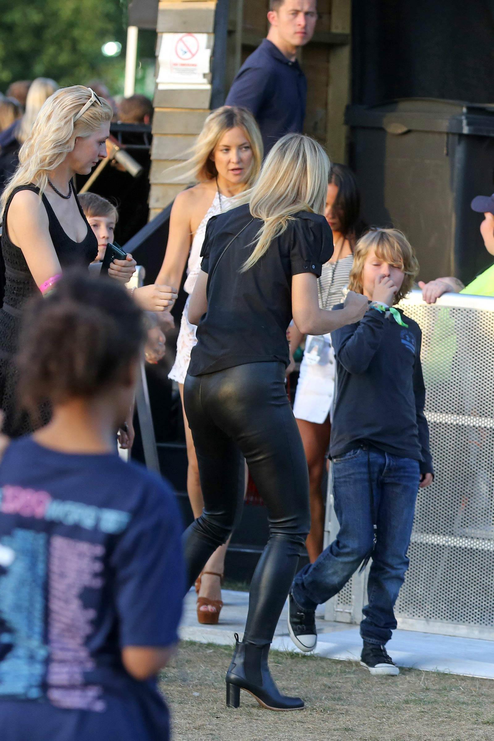 Gallery - Leather Celebrities Gwyneth Paltrow Twitter