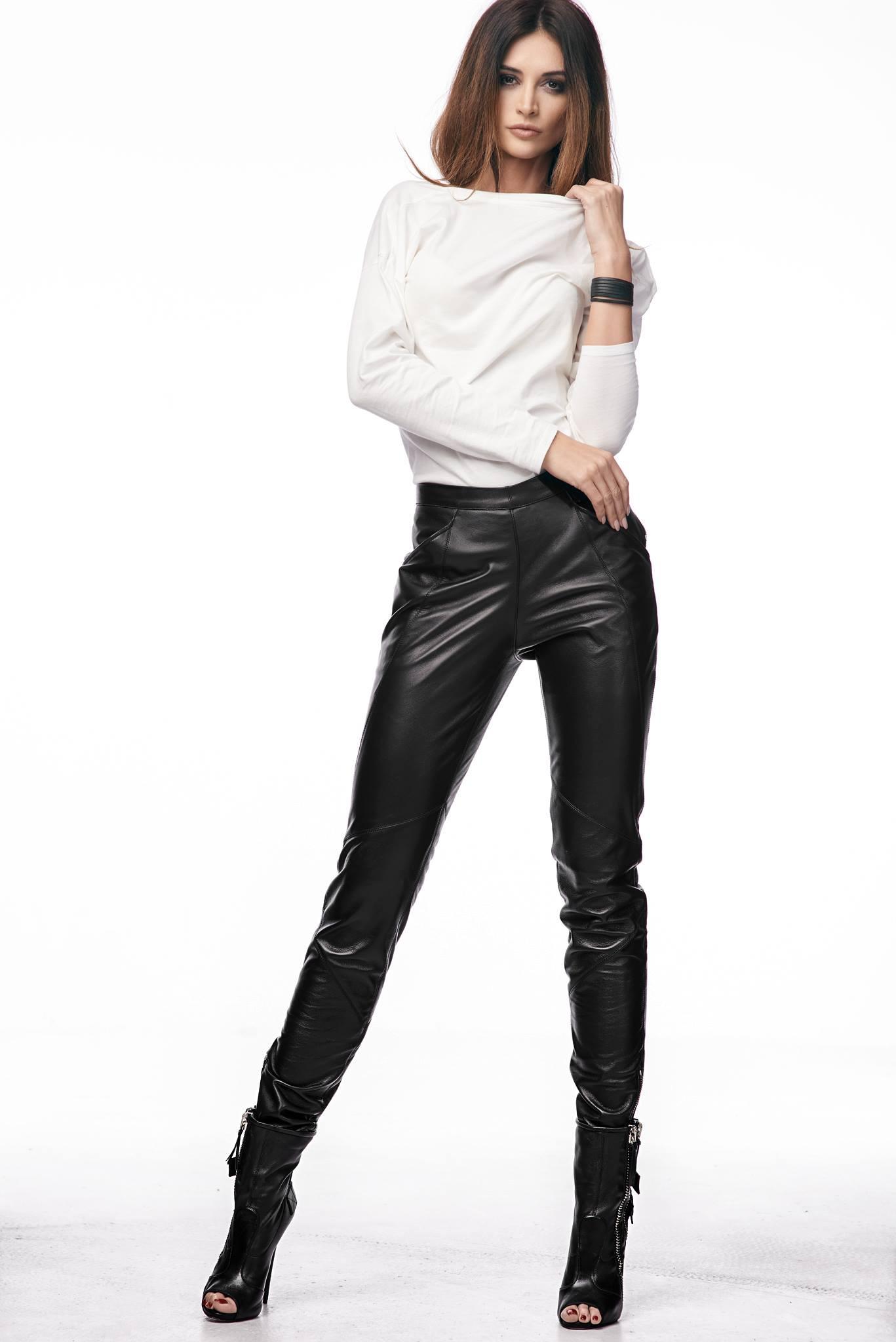 Wioleta Budnik-Juhlke photoshoot for Mojry Natural Leather