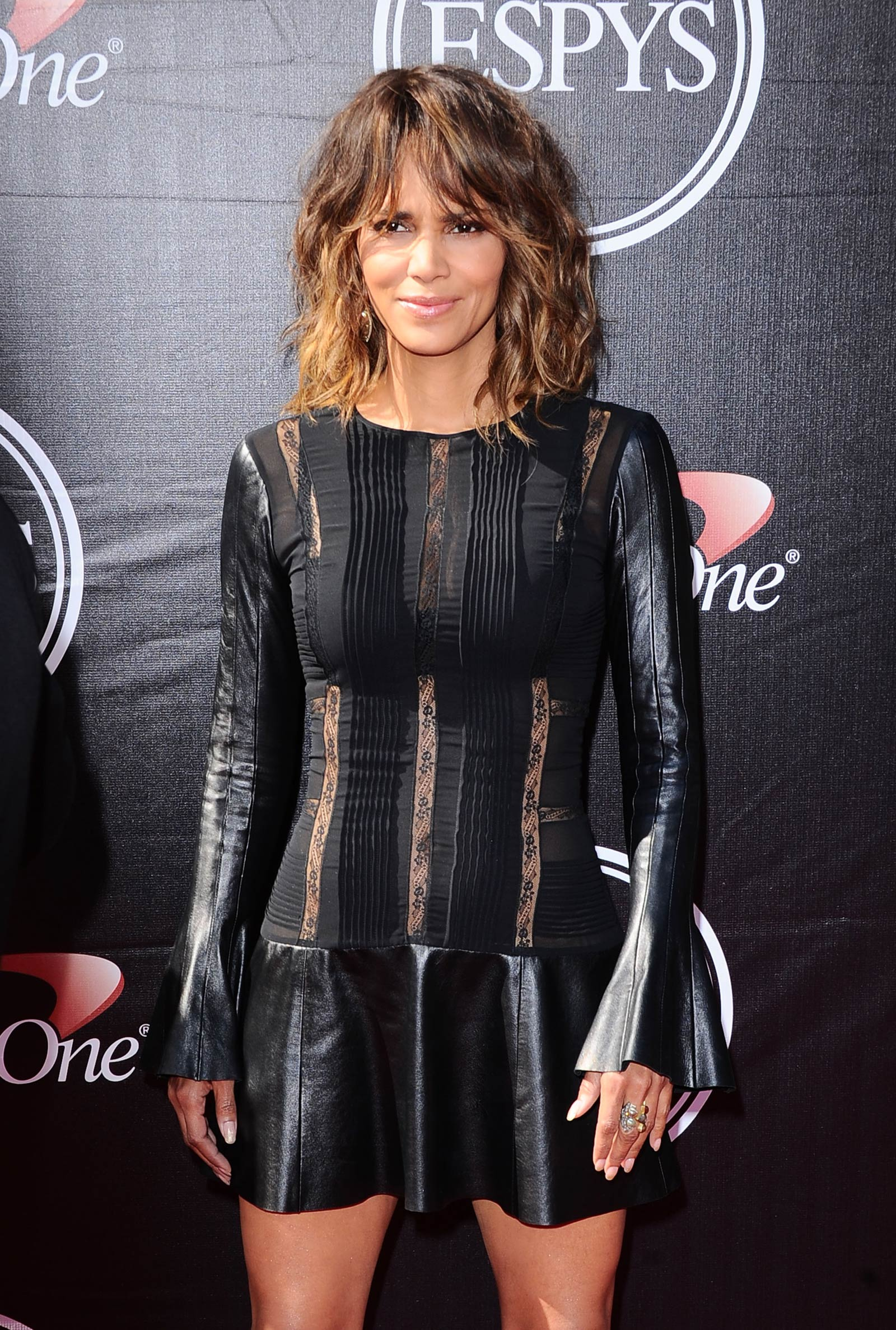 Halle Berry attends The 2015 ESPYS Halle Berry Twitter