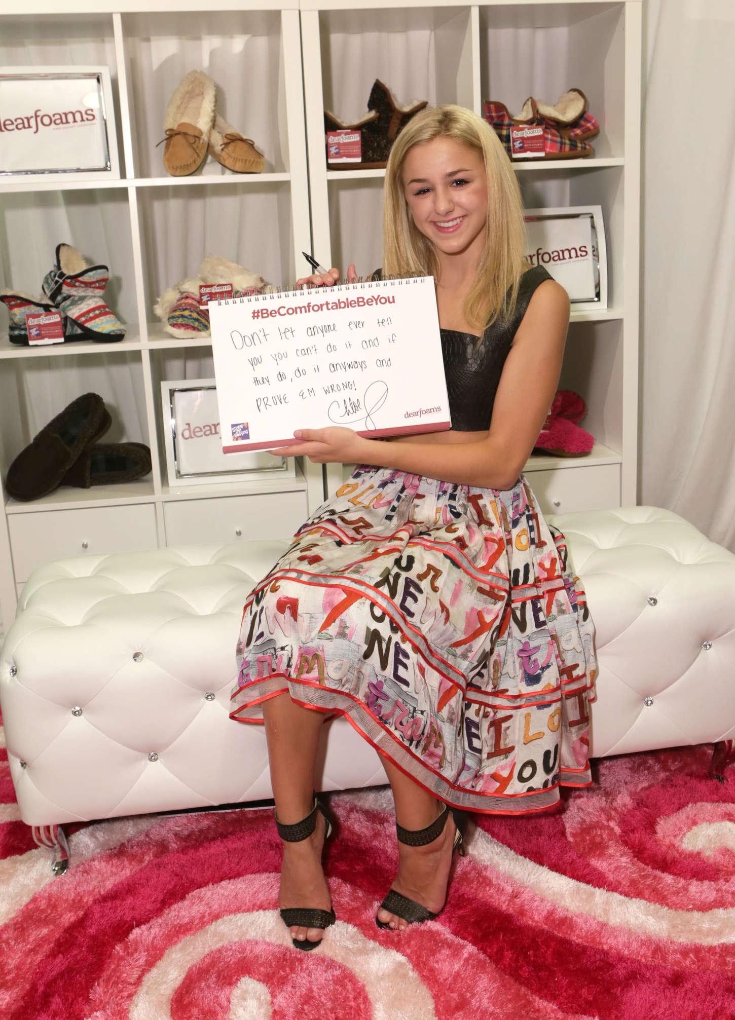 Chloe Lukasiak attends 2015 Teen Choice Awards