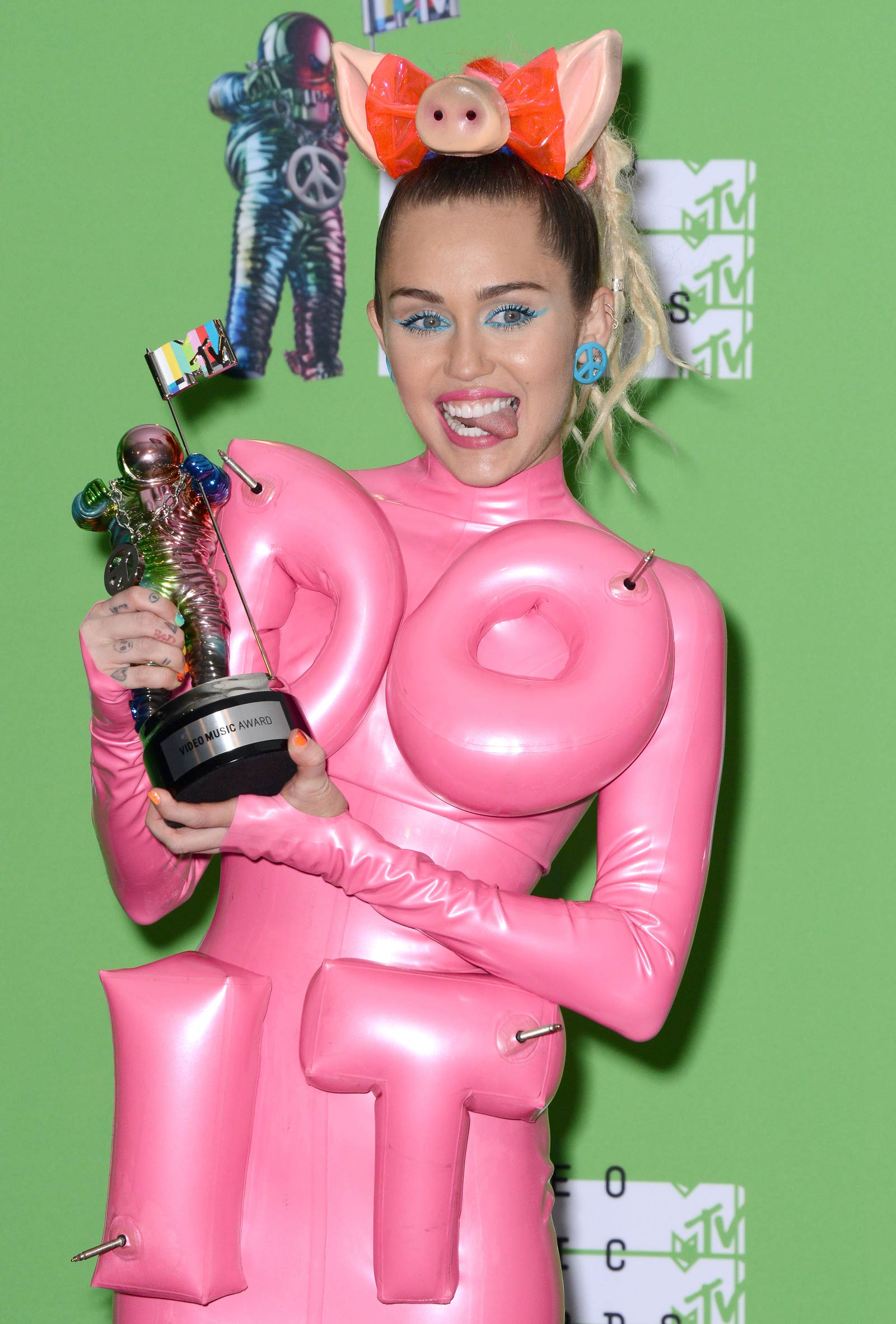 Miley Cyrus at the 2015 MTV Video Music Awards