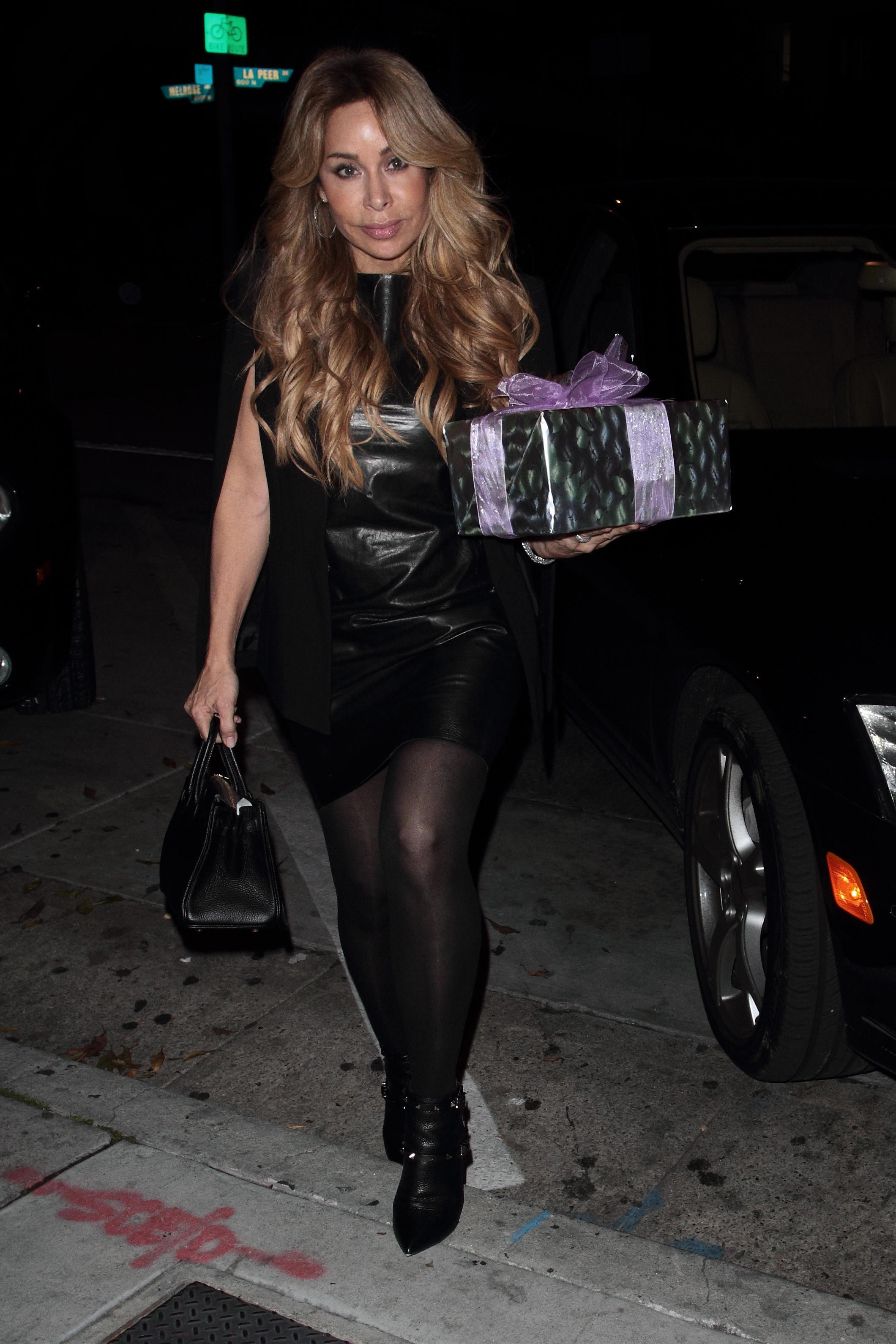 Faye Resnick arrives at Craig's Hollywood to celebrate the birthday of bff Kyle Richards