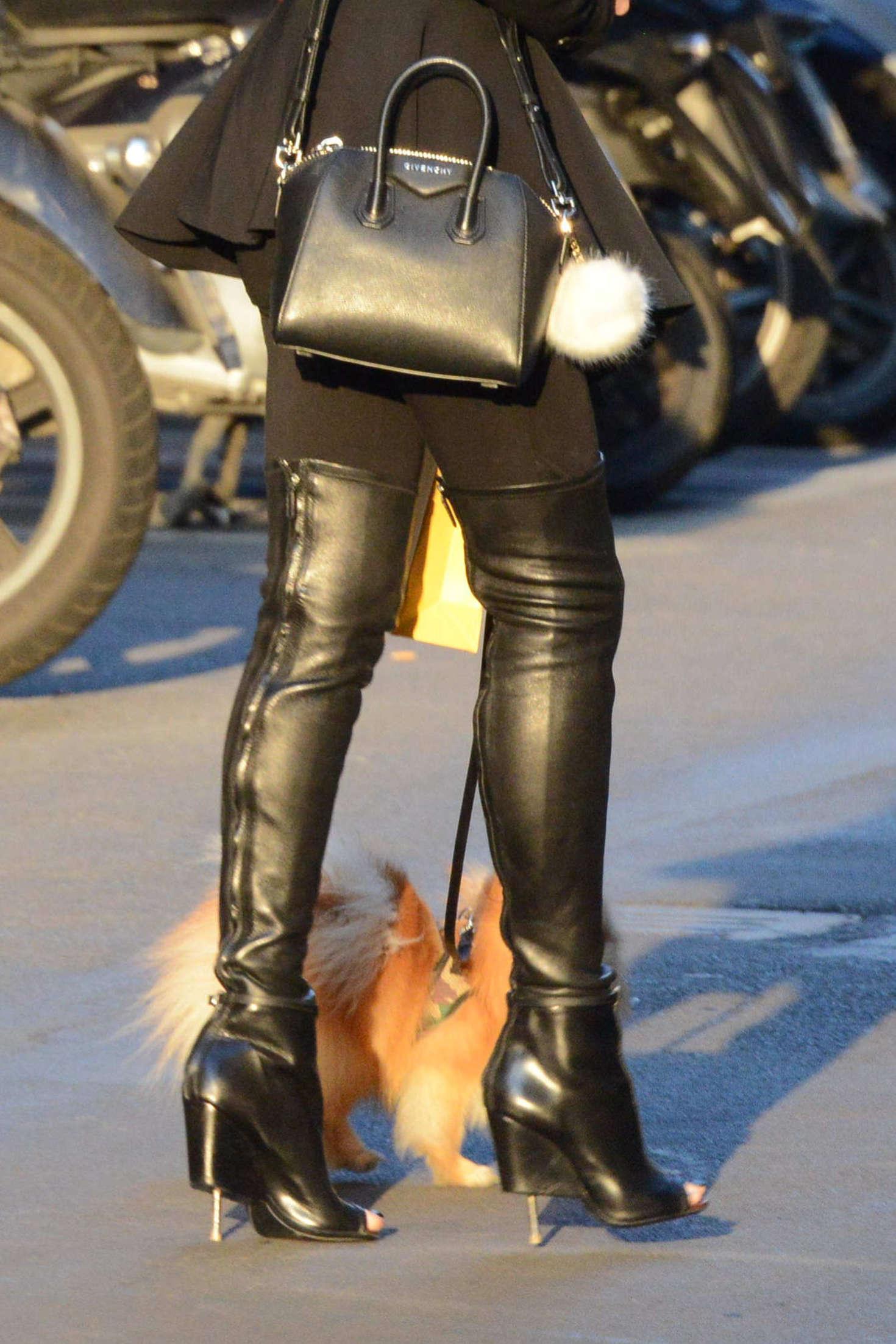Alessandra Sorcinelli walking her dog