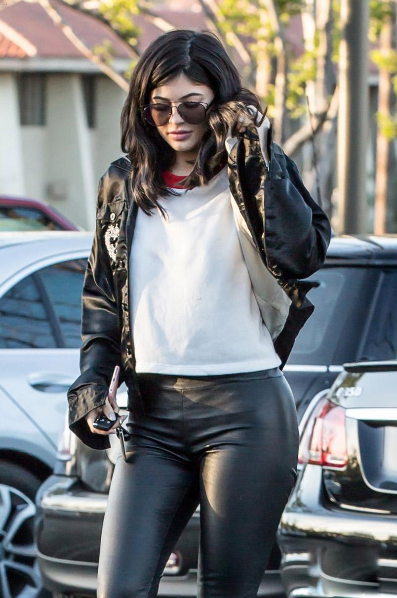 Kylie Jenner shopping in Calabasas