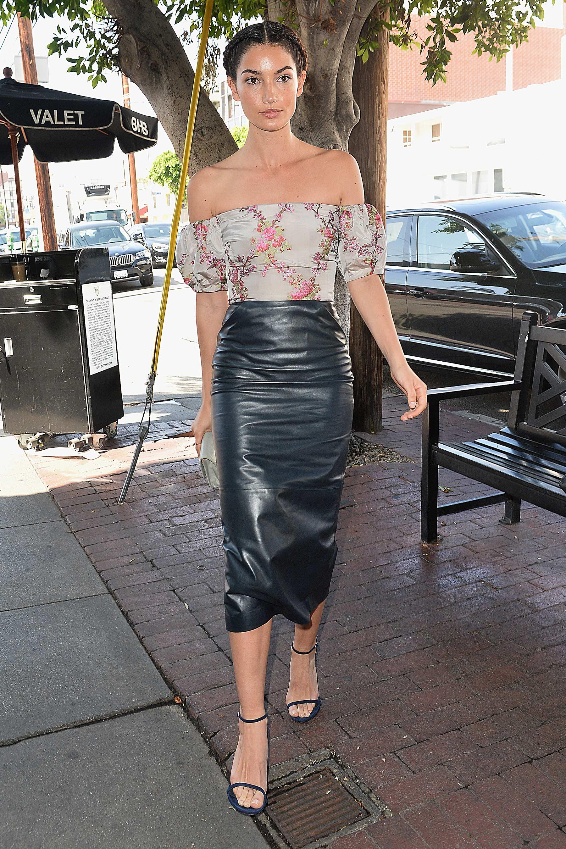 Lily Aldridge arrives at the Vanity Fair Luncheon